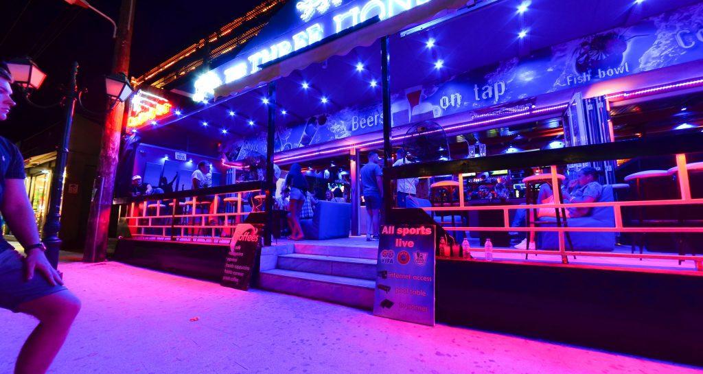 Three Lions Bar