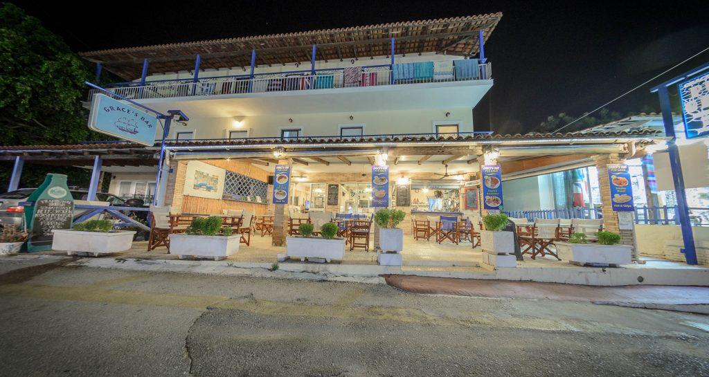 Grace's Pub Bar