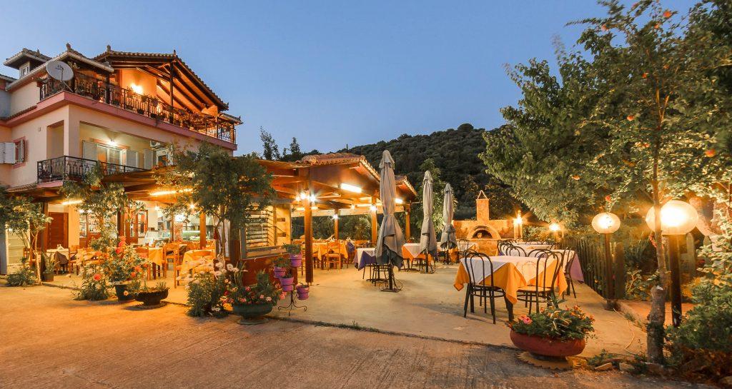 Demaras Taverna Grill House