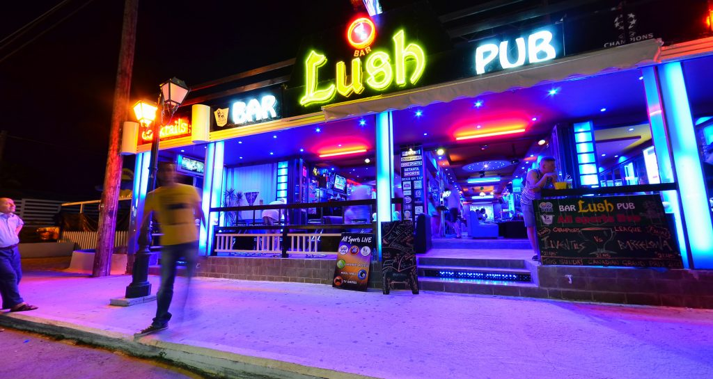Lush Bar & Pub