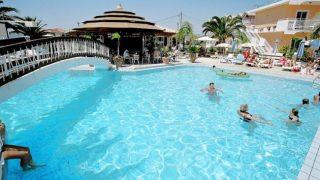 antonis studios & apartments pool bar zante zakynthos