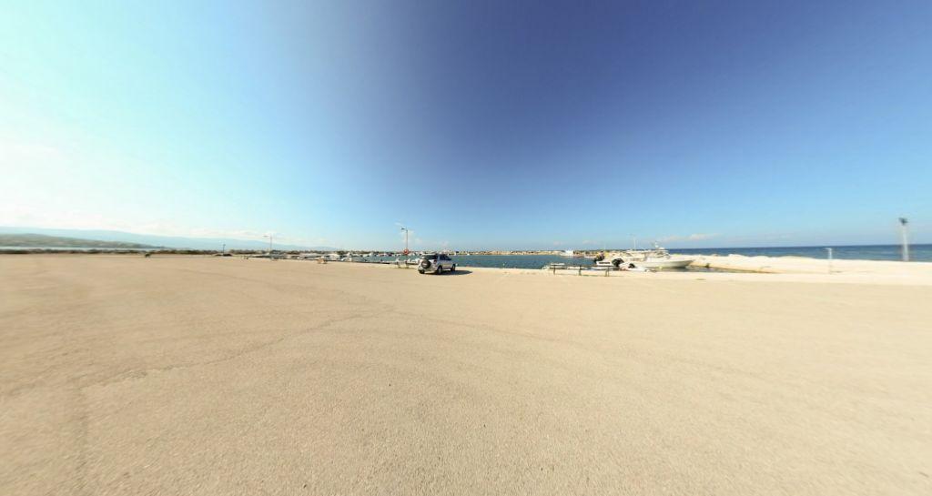 Kavos Psarou Port