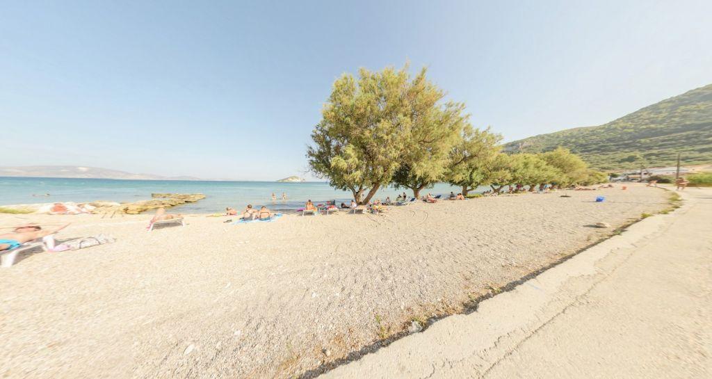 Keri Lake Beach